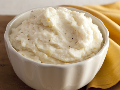 creamy-garlic-mashed-potatoes-04